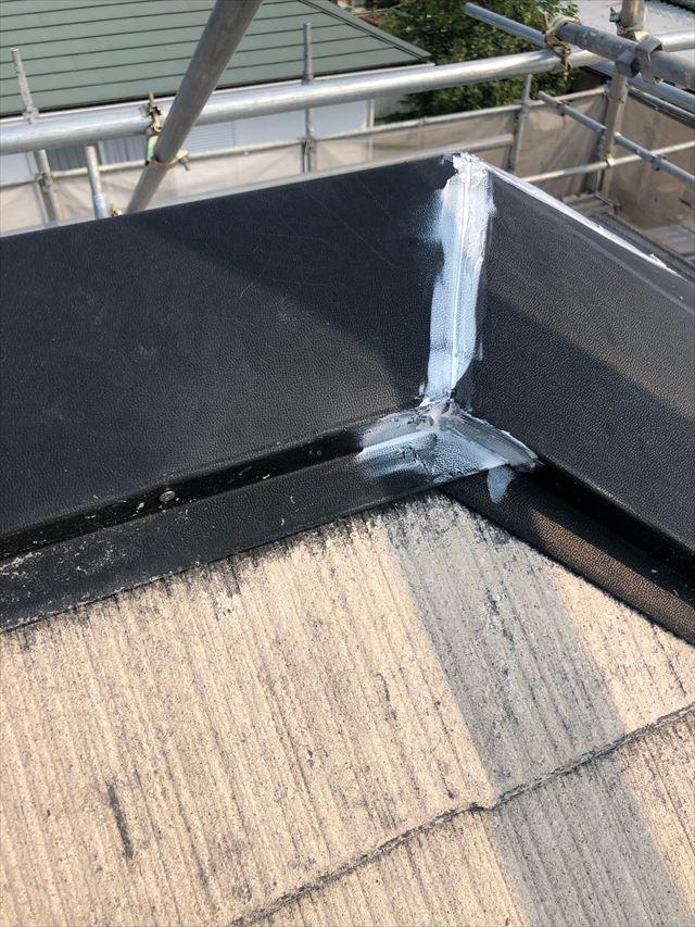 脱根板金、隙間コーキング補修