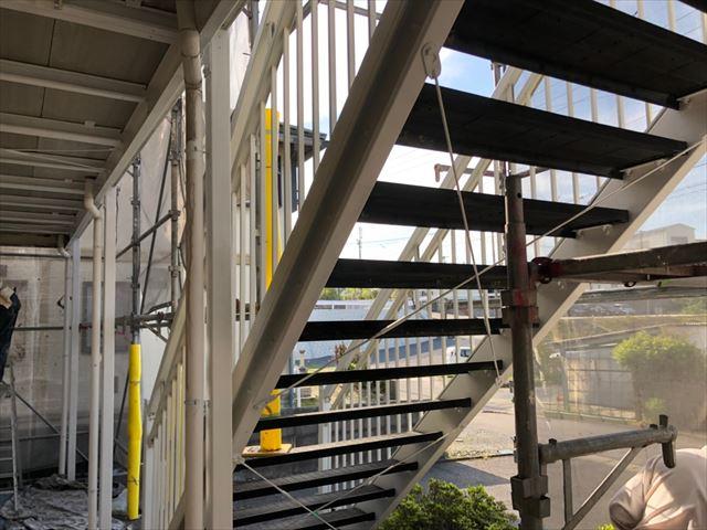 階段の塗装