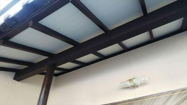 玄関天井の塗装