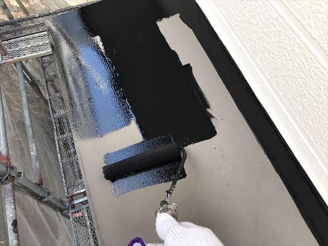 小庇の天板の塗装、1回目
