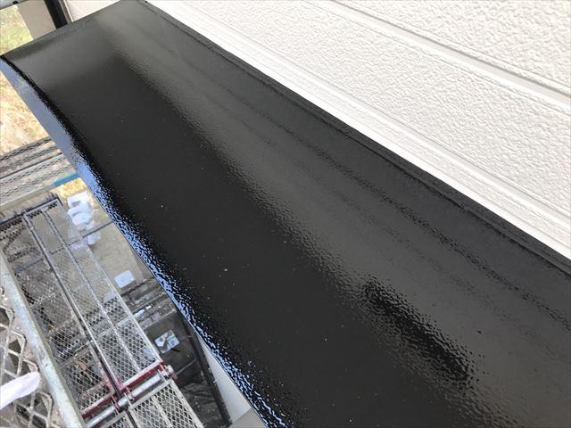 小庇の天板の塗装、1回目完了
