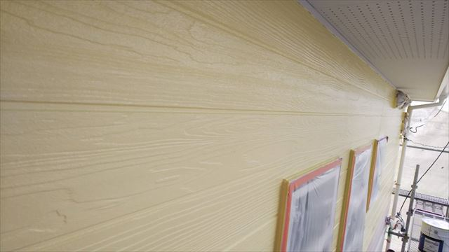 外壁の上塗り