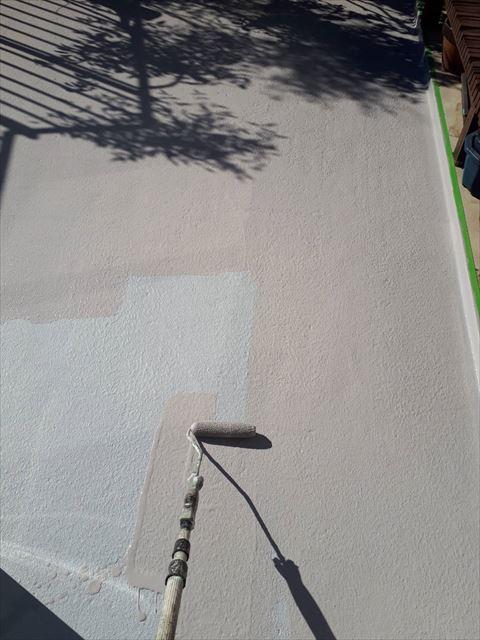 ブロック塀の下塗り