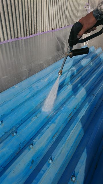 車庫上の高圧水洗浄
