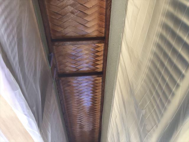 春日井市、玄関の軒天井