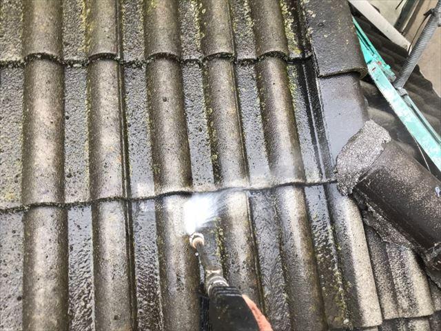 瀬戸市、屋根の洗浄です