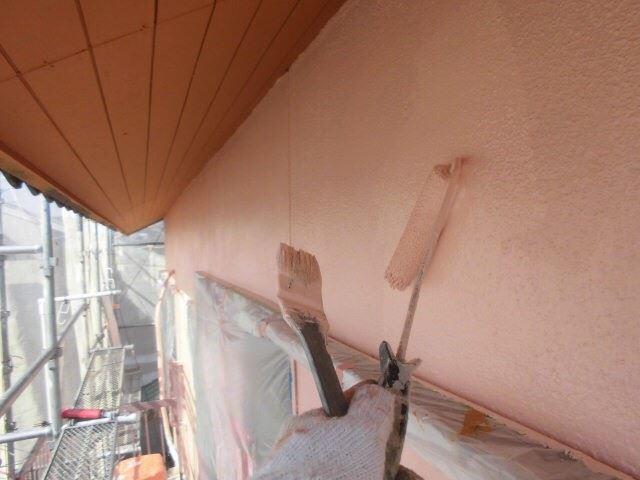 外壁の上塗りです