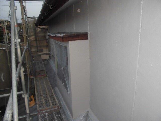 外壁の下塗り2回目です