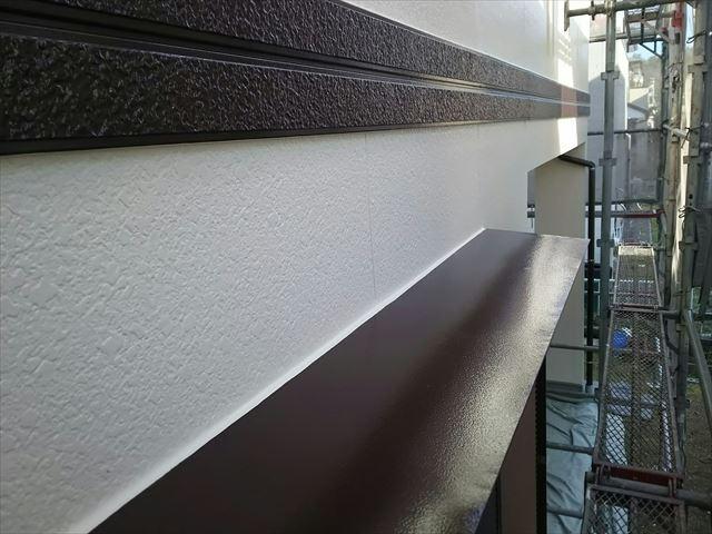 幕板、小庇の塗装です