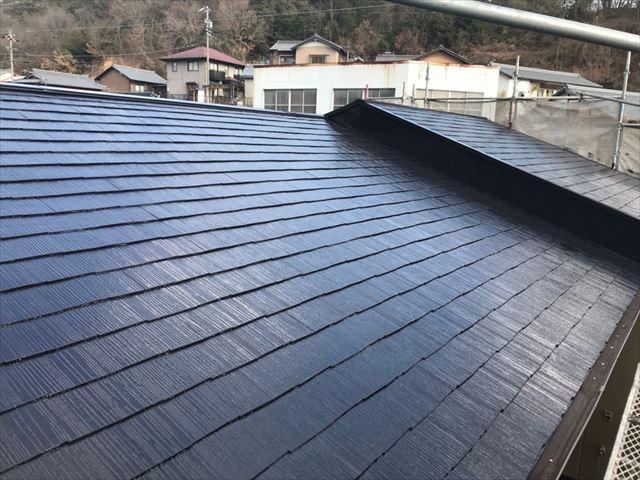 屋根の上塗り、完了