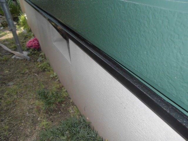 水切りの塗装です