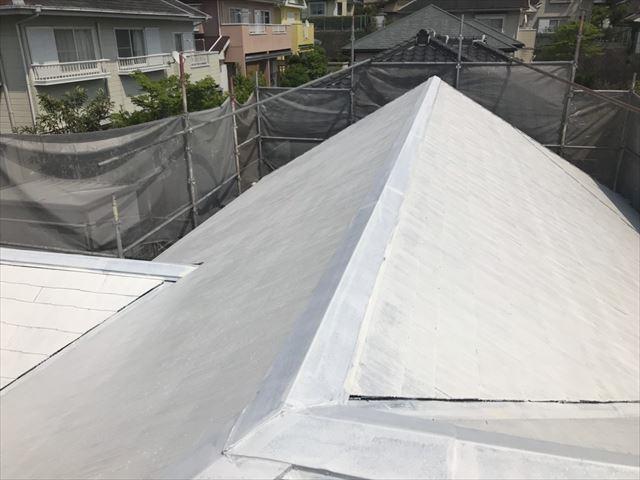 屋根下塗り2回目完了です