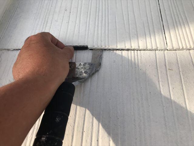 屋根の縁切りです