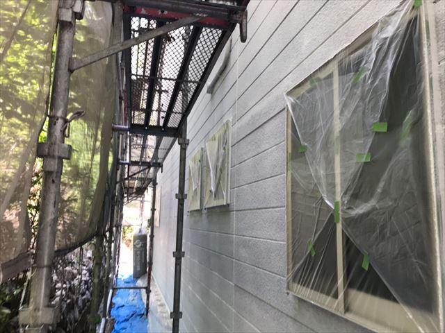 外壁の下塗り、完了です