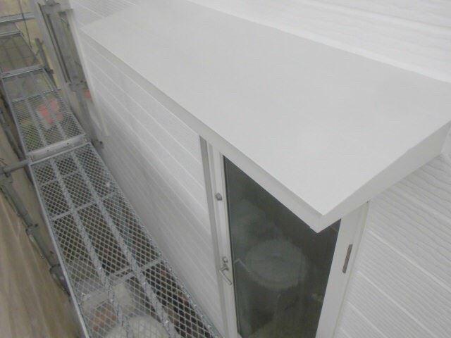 小庇天板の塗装です