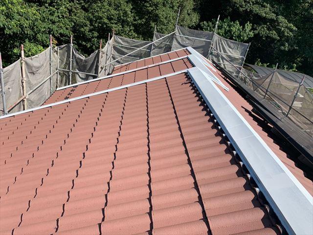 屋根にエクセルガードの塗装、完了