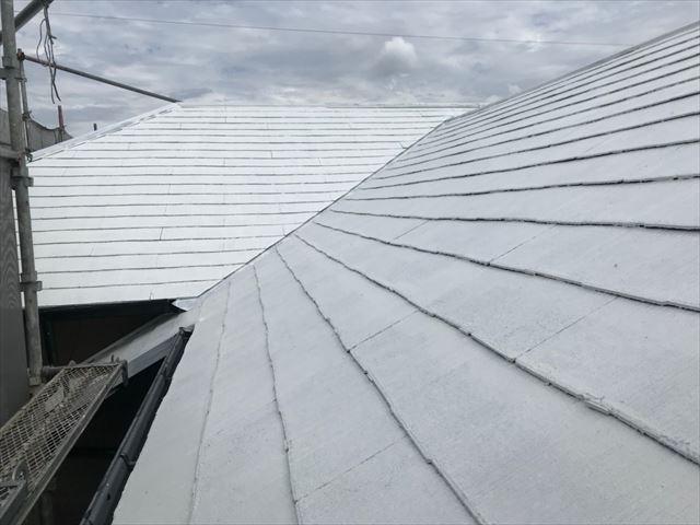 屋根の下塗り2回目、完了