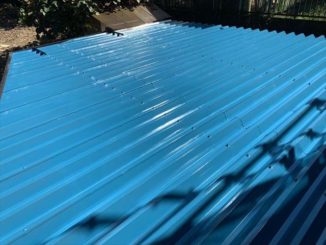 折板屋根の上塗り塗装、完了