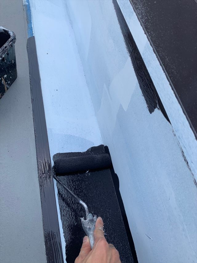 屋根の塗装です