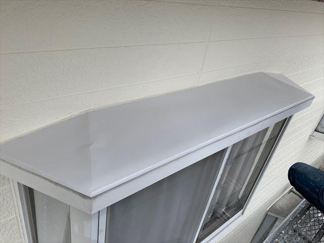 出窓の塗装、完了です