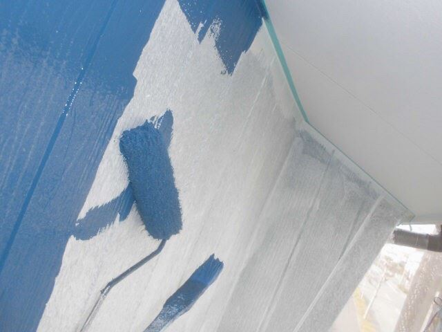 春日井市西高山町で外壁中塗り塗装