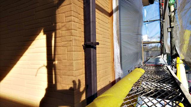 春日井市、たて樋の塗装