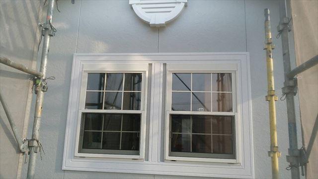 窓まわりの塗装です