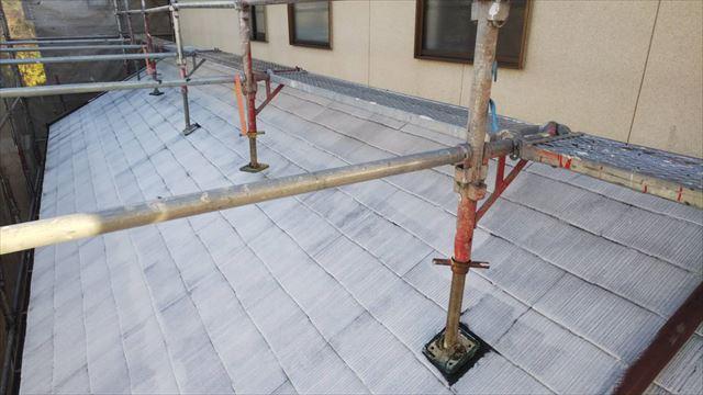 屋根の下塗り1回目塗装