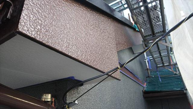 破風板の塗装です