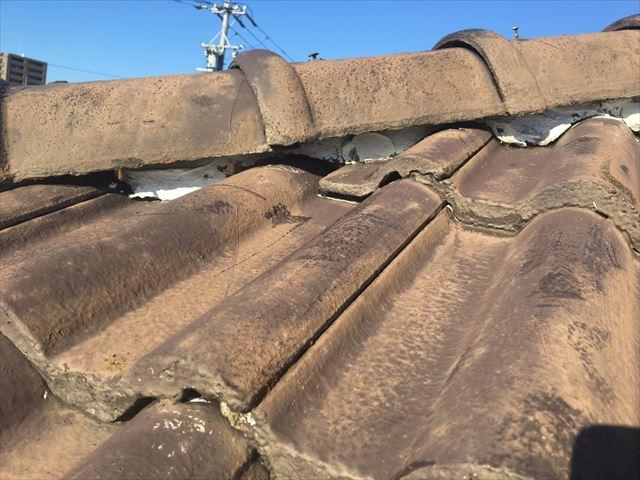 屋根の漆喰の劣化です