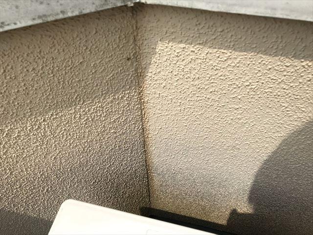 ベランダ内壁、カビが発生