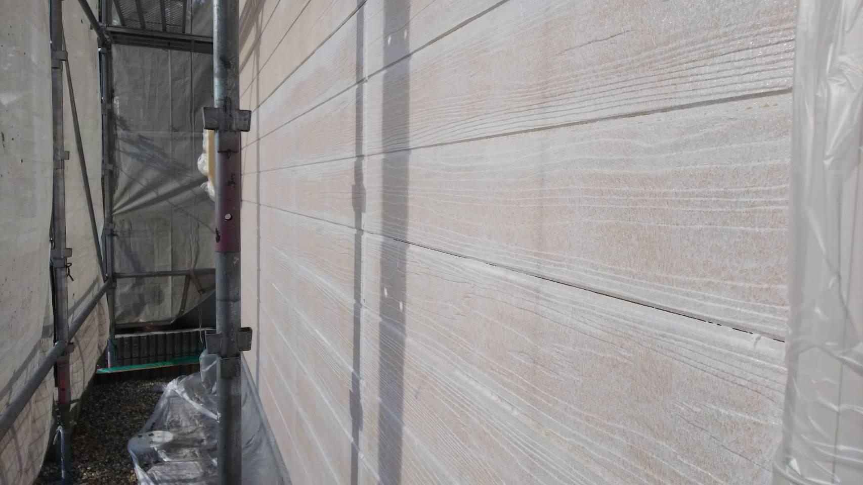 外壁の下塗り2回目完了