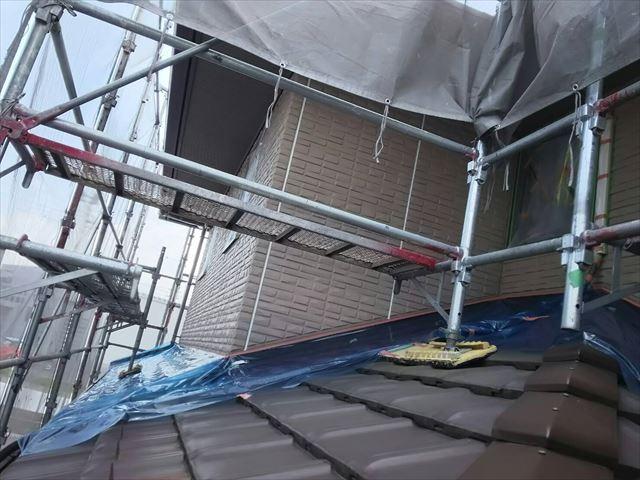 瓦屋根と外壁の取合い、補修