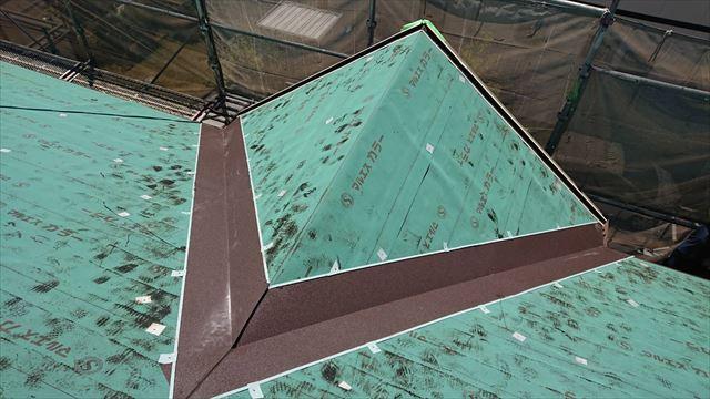 屋根棟のガルバ
