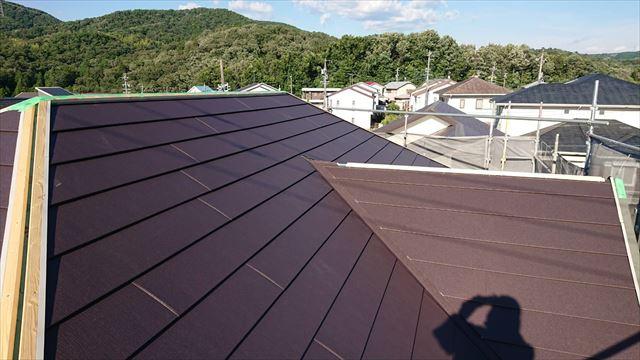 屋根のガルバ