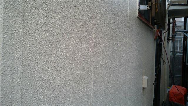 外壁中塗り塗装、完了です