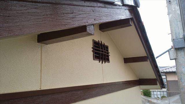 垂木・幕板の塗装です