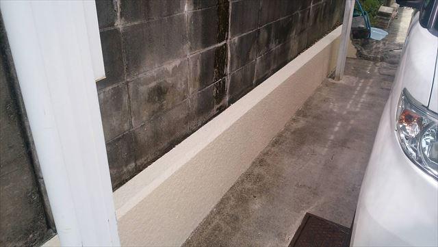 車庫のブロック塀の塗装です