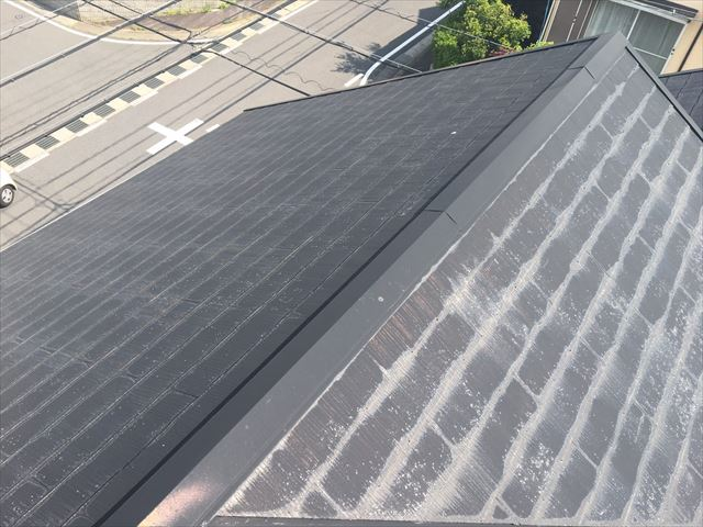 屋根の塗膜劣化です
