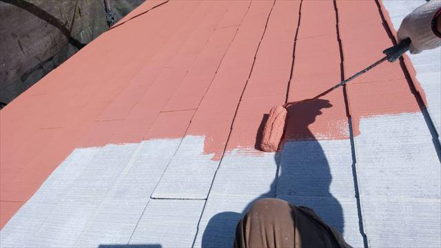 春日井市、屋根の中塗り