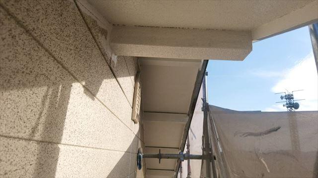 春日井市、軒天の塗装