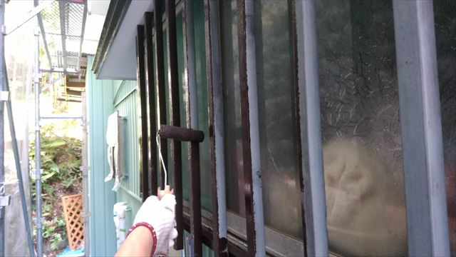 トタン屋根の中塗り完了