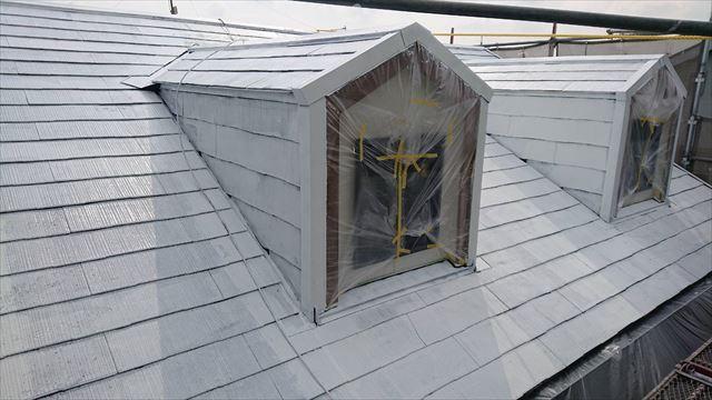 屋根の下塗り塗装です