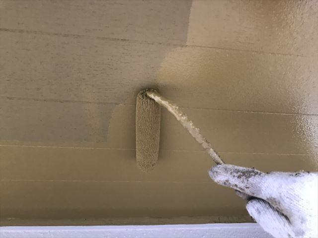 外壁の中塗りです