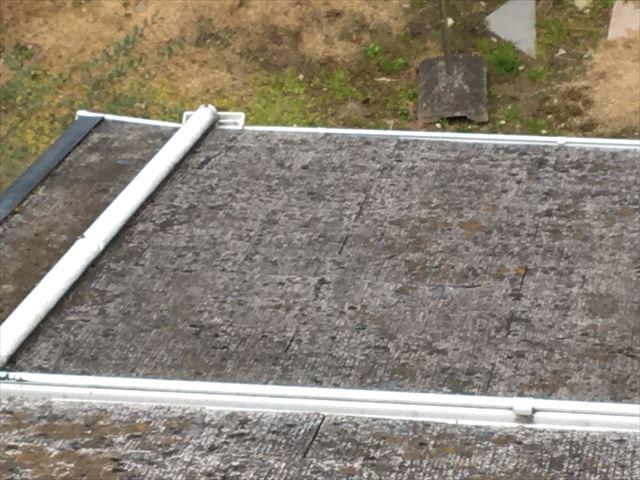 スレート屋根全体にカビ・コケが発生