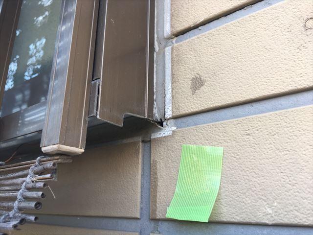 窓まわりのコーキングの劣化