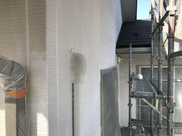 外壁の下塗り、2回目