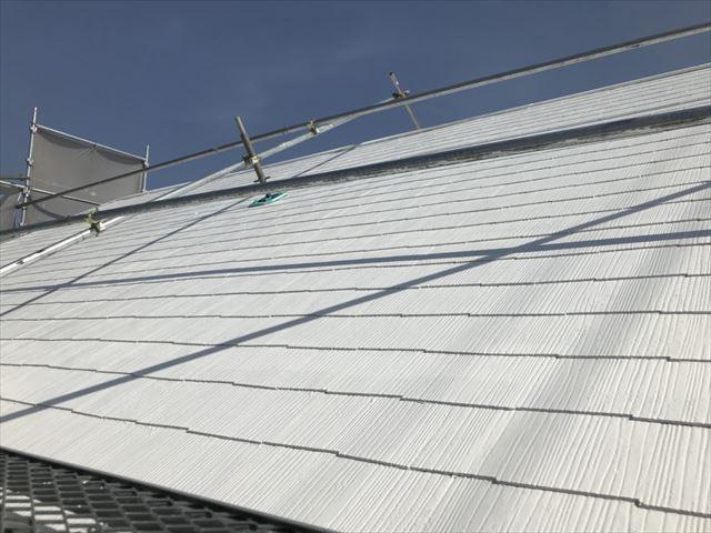 屋根の下塗り1回目、完了です