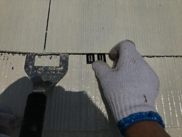 屋根にタスペーサー取付け