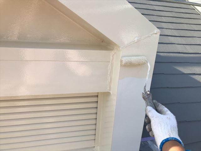 小屋根の塗装です